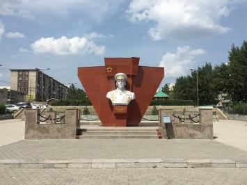 ジューコフの像